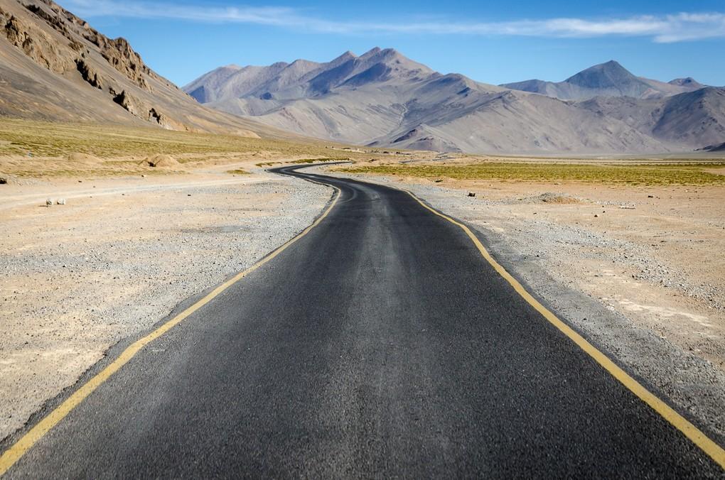 Zdjęcia: poniżej Taglang La, Ladakh, highway..., INDIE