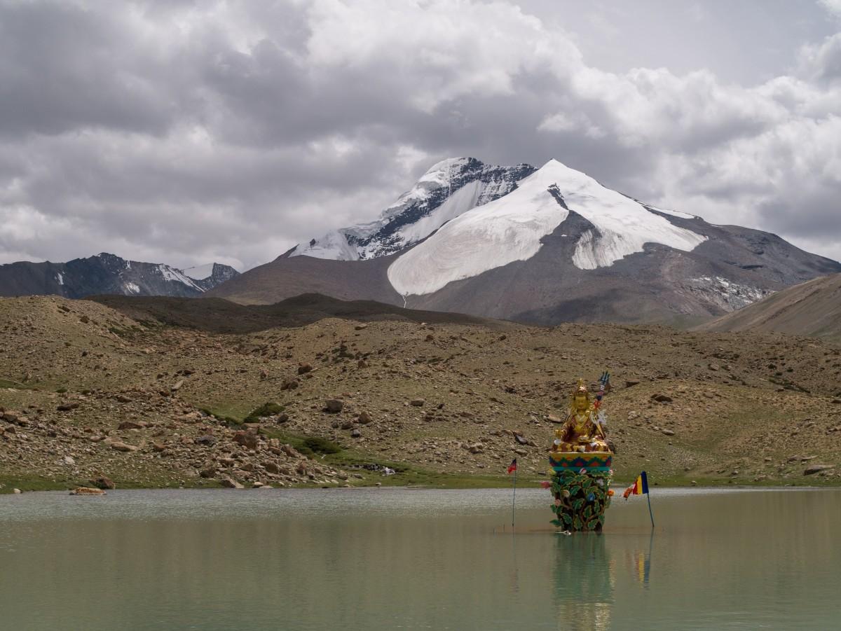 Zdjęcia: Markha Valley, Ladakh, jeziorko z buddą, INDIE