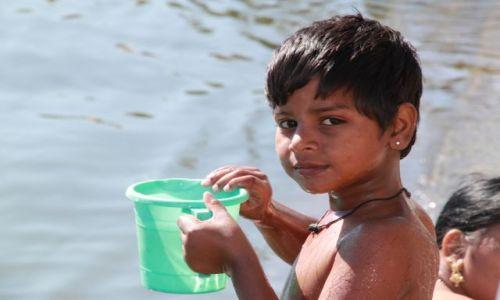 Zdjęcie INDIE / Rajasthan / Udaipur / Chlopiec.....