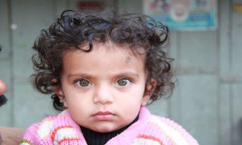INDIE / Rajasthan / Udaipuer / Dziewczynka