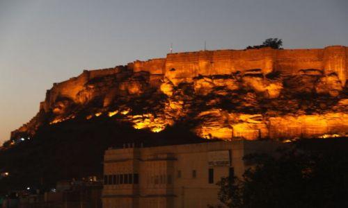 Zdjecie INDIE / Rajasthan / Jodhpur / Fort nocą