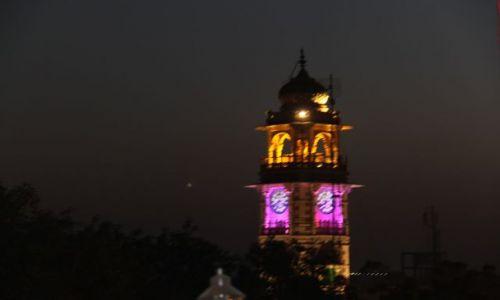 Zdjecie INDIE / Rajasthan / Jodhpur / Wieża zegarowa nocą