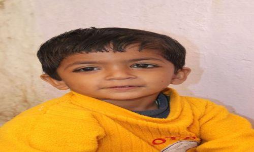 Zdjęcie INDIE / Rajasthan / Jaisalmer / Chłopczyk