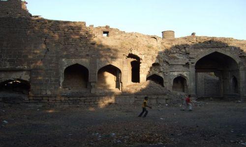 Zdjęcie INDIE / Karnataka / Bijapur / zaniedbane starozytne ruiny