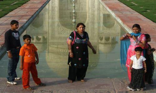 Zdjęcie INDIE / Agra / Taj Mahal / koło Taju