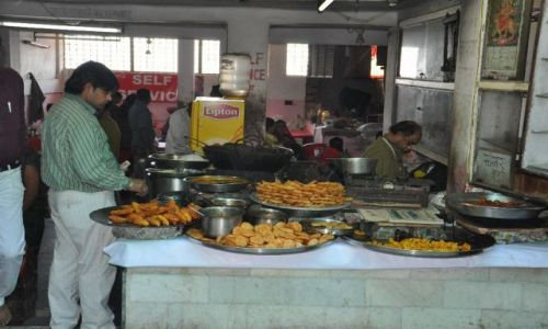 Zdjęcie INDIE / Haridwar  / Haridwar / Bar