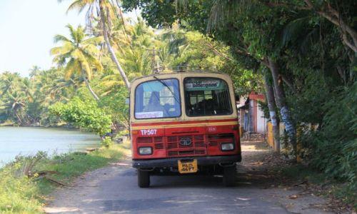 Zdjecie INDIE / Kerala / Kumakarum / komunikacja miejska