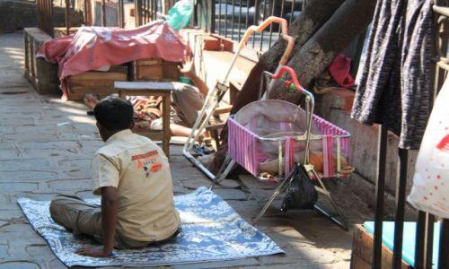 INDIE / Maharasztra / Bombaj / Rodzina na  swoim
