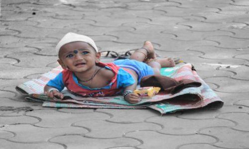 Zdjęcie INDIE / Maharasztra / Bombaj / dzieciak