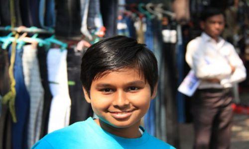 Zdjęcie INDIE / Maharasztra / Bombaj / chłopiec