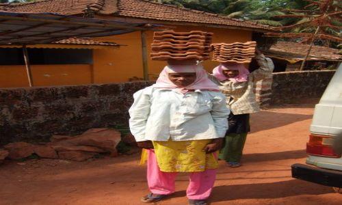 Zdjęcie INDIE / Goa / Plaża Agonda / Kobiety tam nie maja lekko