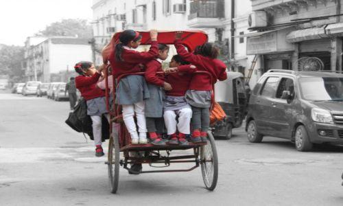 Zdjęcie INDIE / Delhi / Old Delhi / do szkoły