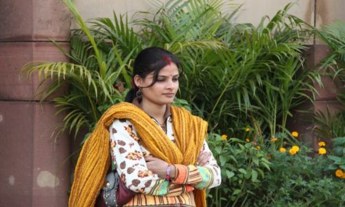 Zdjecie INDIE / Delhi / New Delhi / kobieta