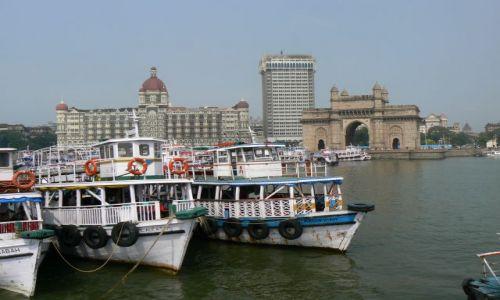 INDIE / Maharastra / Mumbai / Brama do Indii i Hotel Taj Mahal