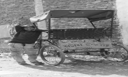 Zdjecie INDIE / Delhi / Old Delhi / młodzieniec