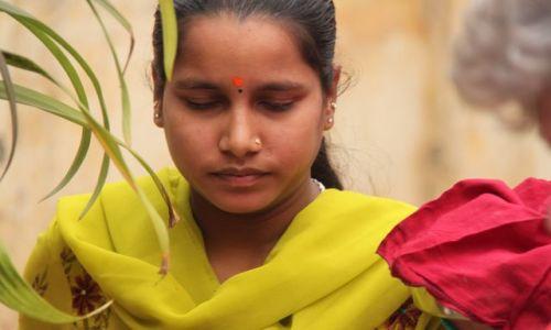 Zdjęcie INDIE / Delhi / Old Delhi / dziewczyna