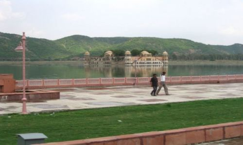 INDIE / Rajasthan / Jaipur / Palac na wodzie