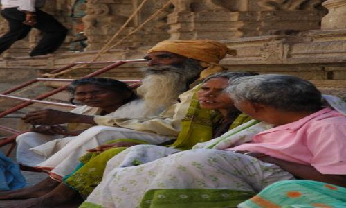 Zdjecie INDIE / Indie Pld  Karnataka  / Hampi-Vijayanagar / Pielgrzymi  w Hampi
