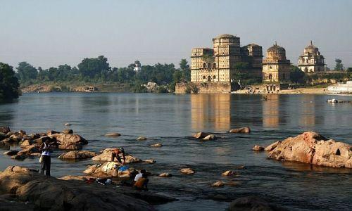 Zdjęcie INDIE / Madhya Pradesh / Orchha / nad rzeką Betwą