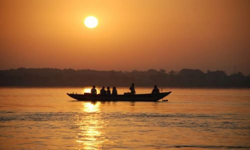 Zdjecie INDIE / Uttar Pradesh / Varanasi / Zachod slonca w