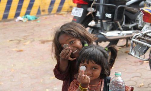 Zdjecie INDIE / Maharasztra / Mumbai / szczescie
