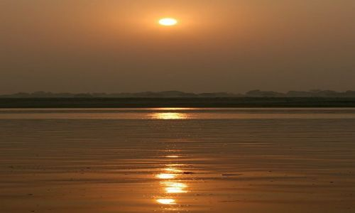 INDIE / Uttar Pradesh / Varanasi / wschód słońca 2