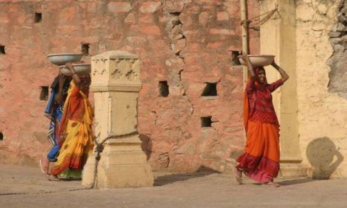 Zdjęcie INDIE / Rajasthan / Jaipur / Kobiety pracujace