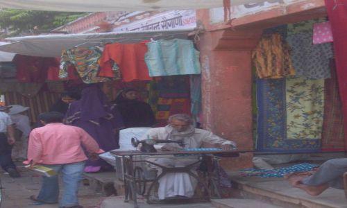 INDIE / Rajastan / Dżajpur / Ulica w Dżajpurze