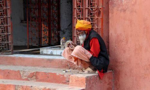 Zdjecie INDIE / Uttar Pradesh / Agra / Pielgrzym