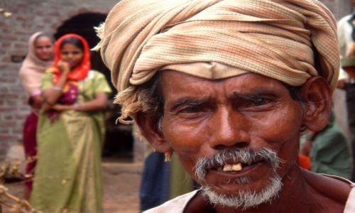 Zdjęcie INDIE / Gujarat / Juni Kaccili / KONKURS Twarze świata
