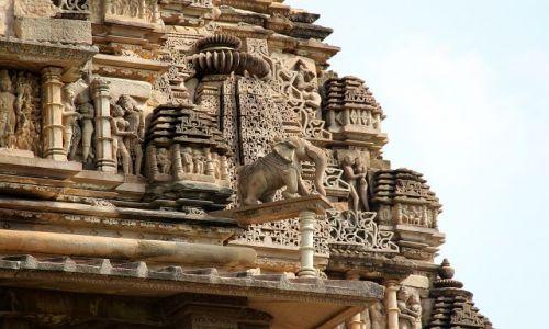 Zdjecie INDIE / Madhya  Pradesh / Khajurahi / Fragment zdobień świątynnych
