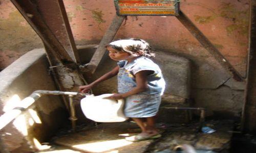 INDIE / New Delhi / Paharganj / Indyjska woda mineralna