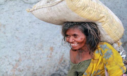 Zdjęcie INDIE / Maharasztra / Bombaj / Szczęście