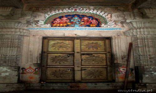 Zdjecie INDIE / Karnataka / Mysore / Po prostu drzwi