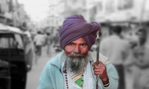 Zdjecie INDIE / Rajasthan / Udaipur / pielgrzym