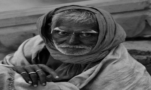 Zdjecie INDIE / - / Waranasi / Starzec z Waranasi