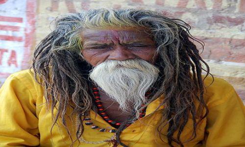 Zdjęcie INDIE / - / Waranasi / orydzinał z ghatów