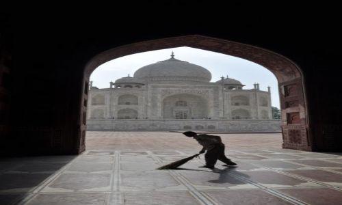 Zdjecie INDIE / Agra / Taj Mahal / O poranku