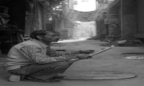 Zdjecie INDIE / - / Delhi / Poranna prasa