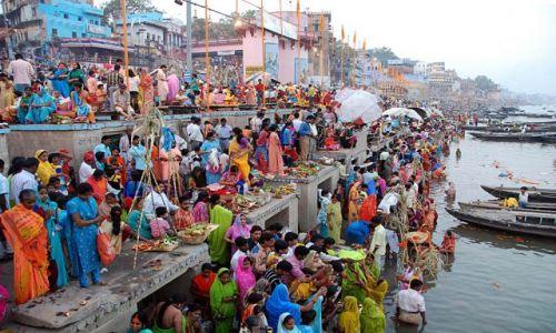 Zdjecie INDIE / - / Waranasi / Impreza nad Gangesem
