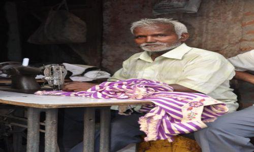 Zdjecie INDIE / - / Agra / Dumny człowiek