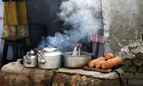 INDIE / Uttar Pradesh / Varanasi / a może herbatki ?