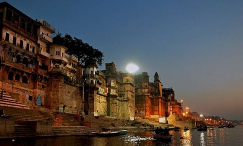 Zdjecie INDIE / miasto indyjskie w stanie Uttar Pradesh, / Varanasi /  Konkurs    Var