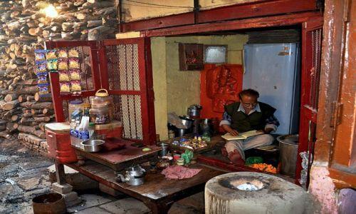 Zdjecie INDIE / - / Varanasi / Dzień powszedni
