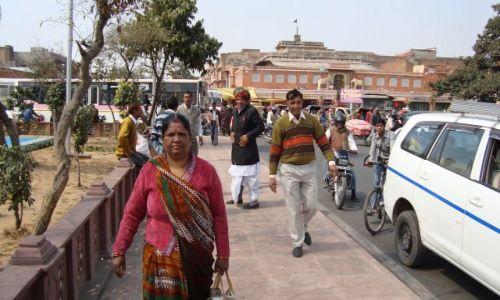 Zdjecie INDIE / Rajastan / Jaipur / Z drogi bo torebką przywale