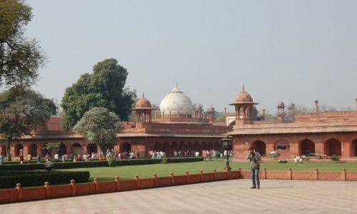 Zdjecie INDIE / Uttar Pradesh / Agra / W drodze do Taj Mahal