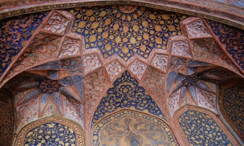 INDIE / Uttar Pradesh / Agra / Sklepienie w Mauzoleum Akbara