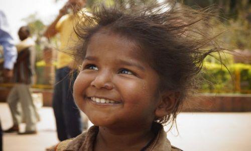 Zdjecie INDIE / Bihar / Bodh Gaja / Chłopiec z Bodh Gai