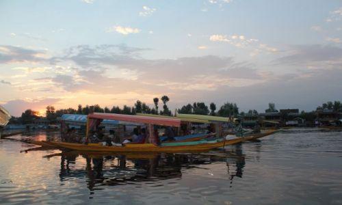 Zdjęcie INDIE / Kaszmir / Jezioro Dal / O zachodzie