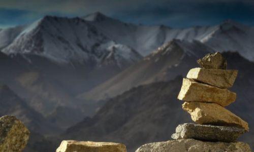 Zdjęcie INDIE / Ladakh / Leh / Stupa ręcznie układana